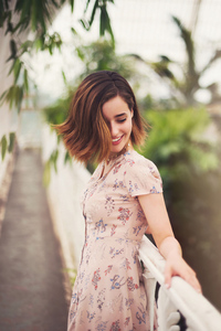 480x800 Holly Earl Smiling 2021