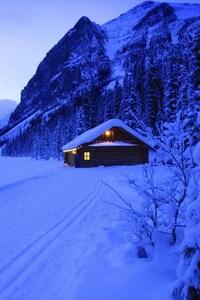 1080x1920 Hut Valley Landscape