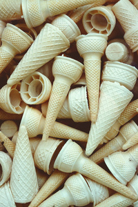800x1280 Ice Cream Cone Piles