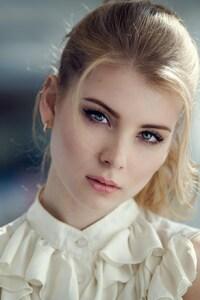 480x854 Irina Popova Close Up