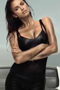 1280x2120 Irina Shayk Chrissy Teigen