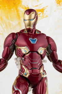 1080x2280 Iron Man Avengers Infinity War Toy