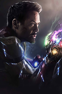 Iron Man Gauntlet 4k