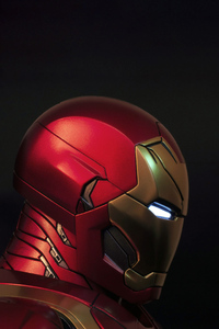 1242x2688 Iron Man Side 5k