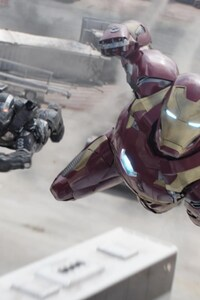 720x1280 Iron Man War Machine Flying