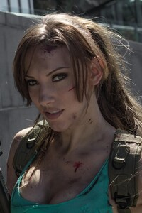 720x1280 Jenncroft Lara Croft