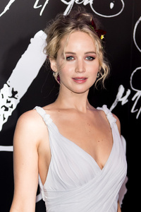 Jennifer Lawrence In White Dress