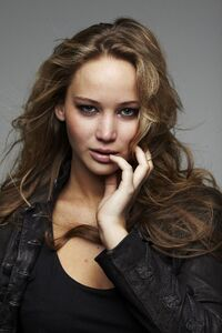 720x1280 Jennifer Lawrence Katniss Everdeen 4k