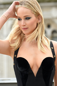 1242x2688 Jennifer Lawrence New