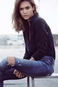 Jessica Alba Harpers Bazaar 2017