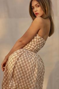 2160x3840 Jessica Alba Photoshoot For Romper