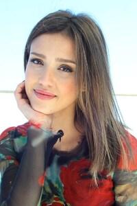 Jessica Alba Simple