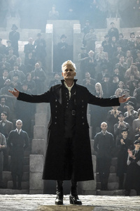 1080x2160 Johnny Depp As Gellert Grindelwald In Fantastic Beasts The Crimes Of Grindlewald Movie