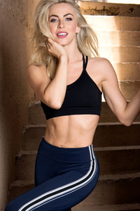 Julianne Hough 2018