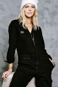1080x1920 Kaitlin Olson Deadline Sundance Portrait 5k