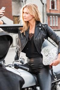 540x960 Karlie Kloss On Bike