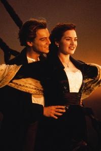 Kate Winslet Leonardo Dicaprio In Titanic