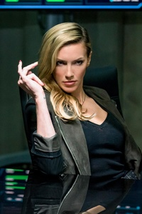 Katie Cassidy In Arrow Season 6 Episode 10 2018