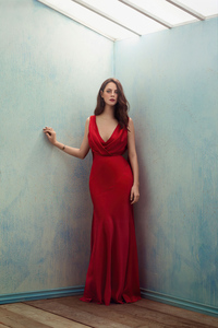 240x320 Kaya Scodelario In Red Dress 4k