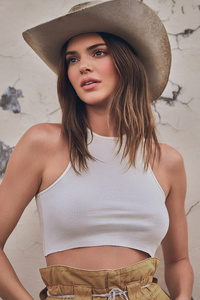 720x1280 Kendall Jenner 2021 Photoshoot