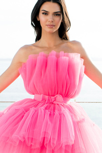 1080x2280 Kendall Jenner AmfAR Cannes Gala Photoshoot 2019 4k