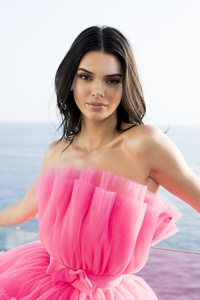 360x640 Kendall Jenner Cannes Gala 5k