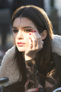 640x1136 Kendall Jenner Estee Lauder Photoshoot