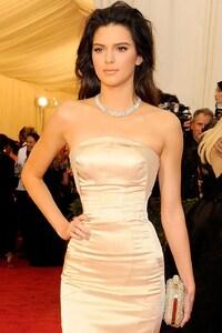 1280x2120 Kendall Jenner Gorgeous