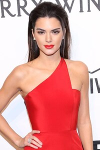 540x960 Kendall Jenner Red Dress
