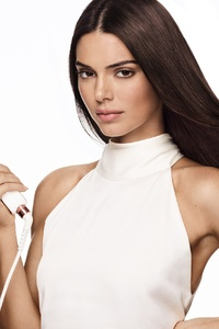750x1334 Kendall Jenner X Formawell