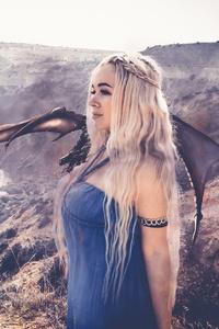 Khaleesi With Dragon Cosplay