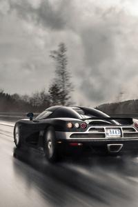 Koenigsegg On Wet Roads 4k