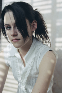 640x1136 Kristen Stewart Cute 4k