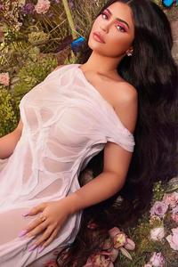 480x800 Kylie Jenner 2020
