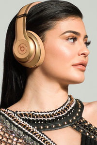 240x320 Kylie Jenner Beats Campaign