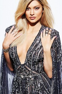 Kylie Jenner Elle Canada