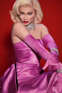 750x1334 Kylie Jenner V Magazine 4k