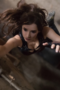 1280x2120 Lara Croft Tomb Raider Cosplay