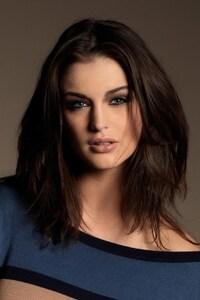 Lauren Budd Brunette