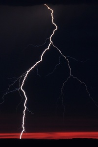 750x1334 Lightning Night Clouds