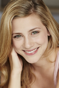 Lili Reinhart Smile