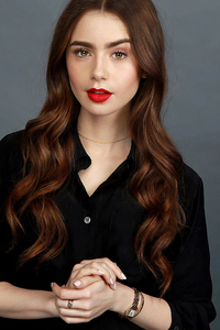 Lilly Collins 2019