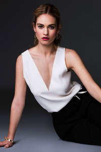 640x1136 Lily James 2017