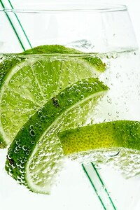 480x854 Lime Drink Bubbles