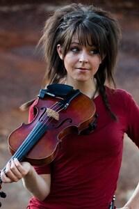 640x960 Lindsey Stirling Violinist