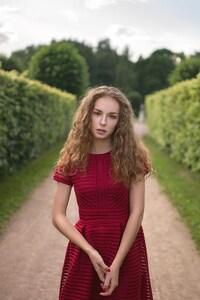 Lisa Alexanina Curly Hairs