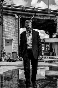 Logan 2017 Hugh Jackman Suit