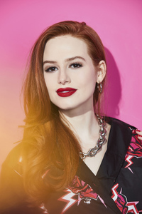 540x960 Madelaine Petsch Comic Con Photoshoot