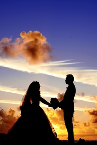 540x960 Maldives Sunset Married Couple