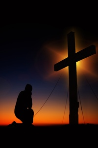1125x2436 Man Standing In Front Of Cross Silhouette 5k